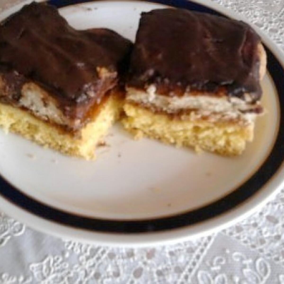 Ezen a képen: Babapiskótás-csokis szelet