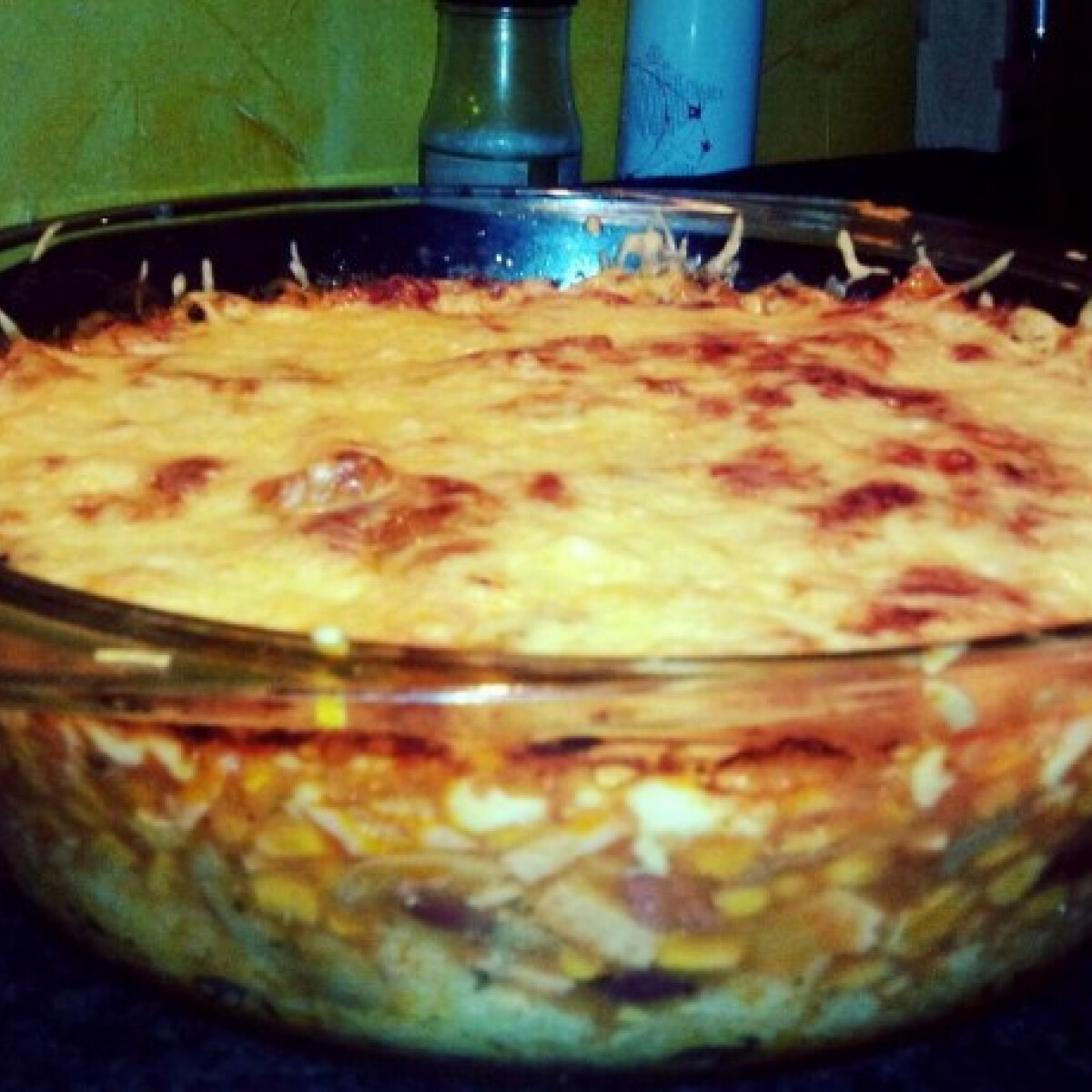 Ezen a képen: Robi és Pundy mexikói sajtos rizses babja