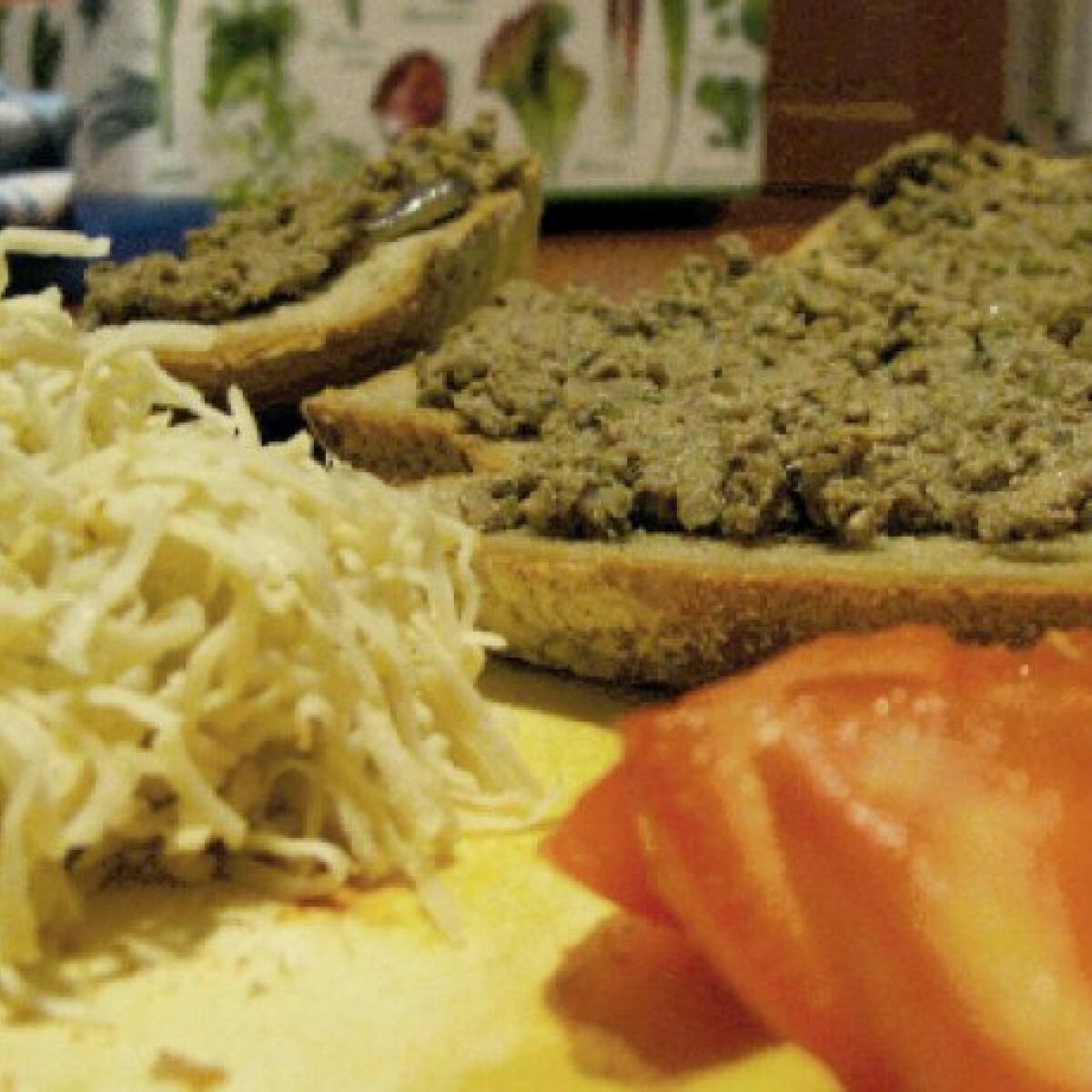Ezen a képen: Fűszeres kenőmájas