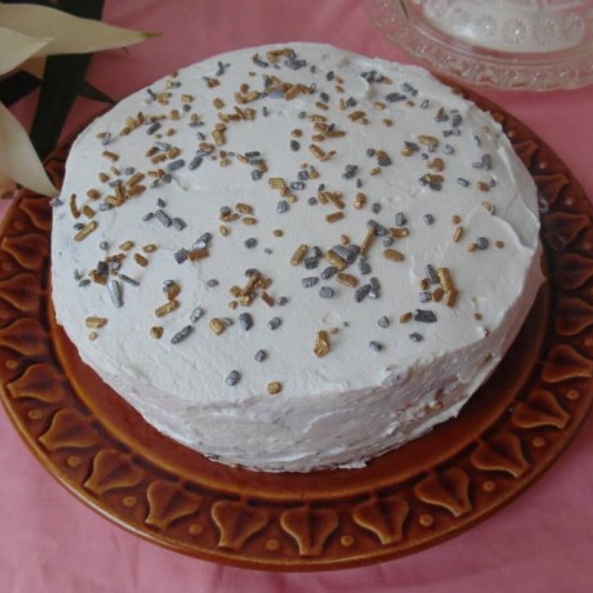 Ezen a képen: Habos torta