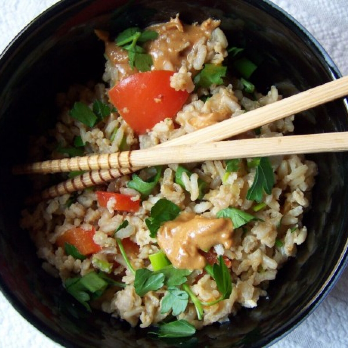 Ezen a képen: Tojásos barna rizs mogyoróvajjal