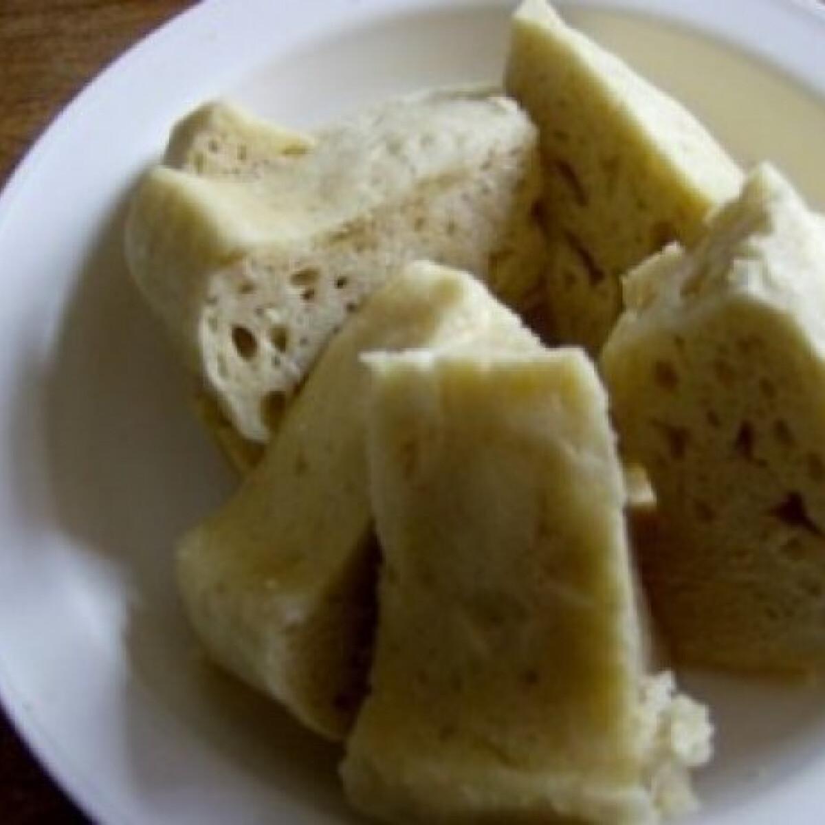 Ezen a képen: Knédli mikróban sütve