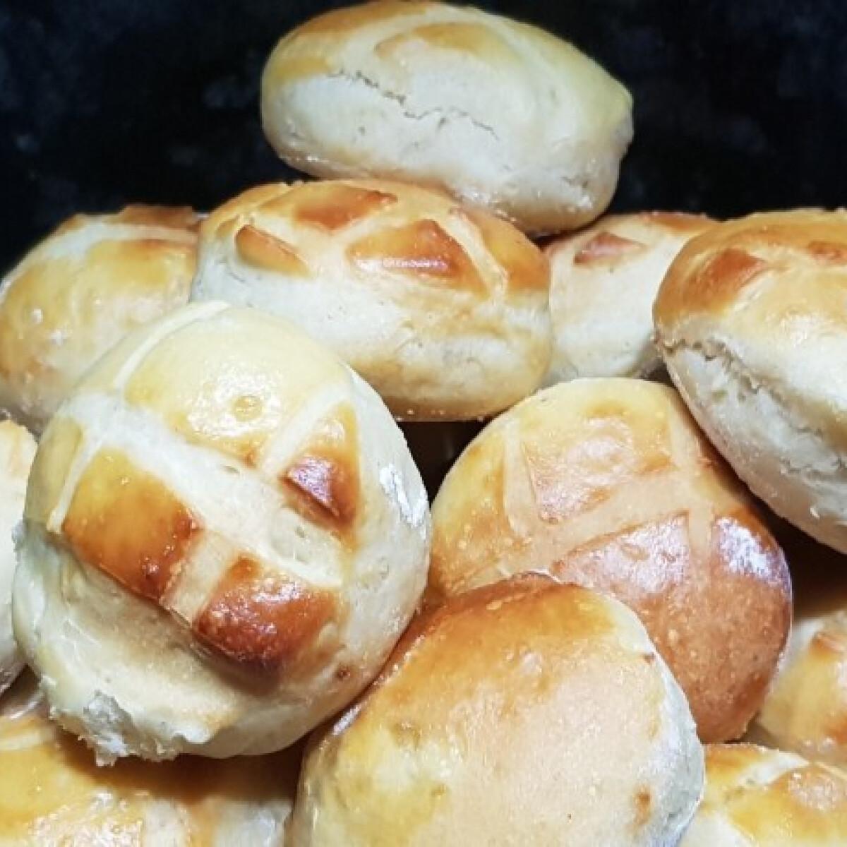 Ezen a képen: Szellős krumplis pogácsa