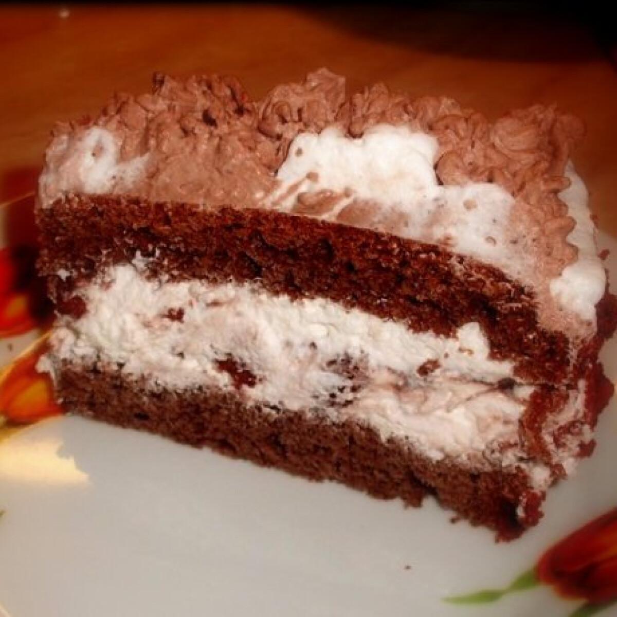 Ezen a képen: Csokis keksztorta Kingustól