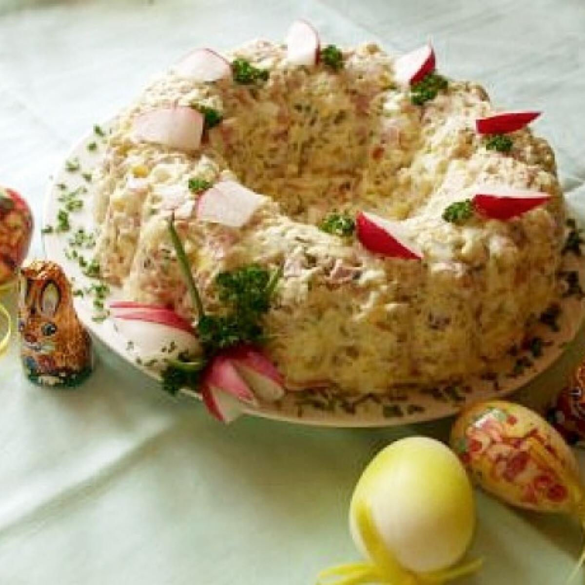 Ezen a képen: Húsvéti salátakoszorú