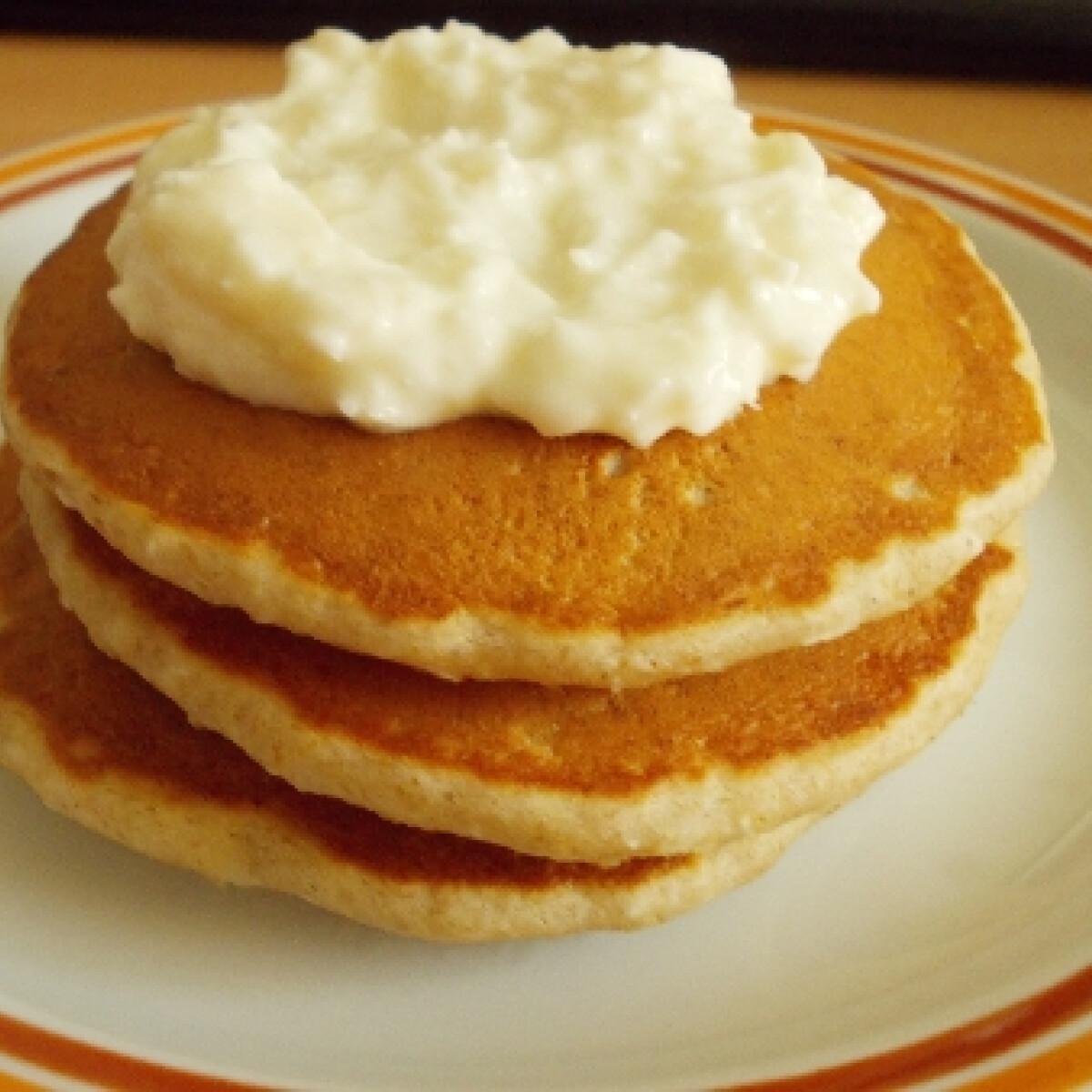 Ezen a képen: Kókuszos amerikai palacsinta - tojás nélkül