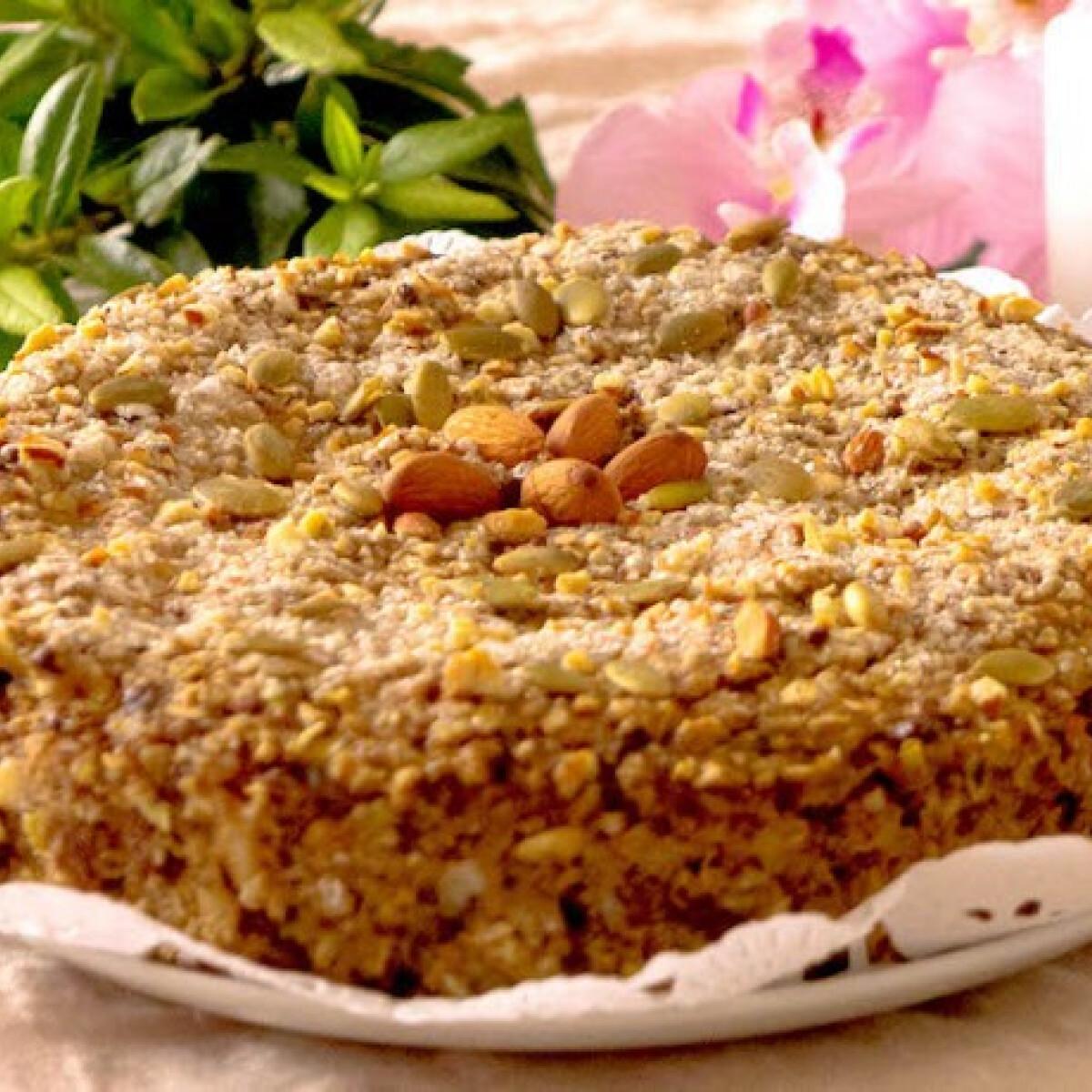 Cukkinis-almás-banános diétás zabpehely torta
