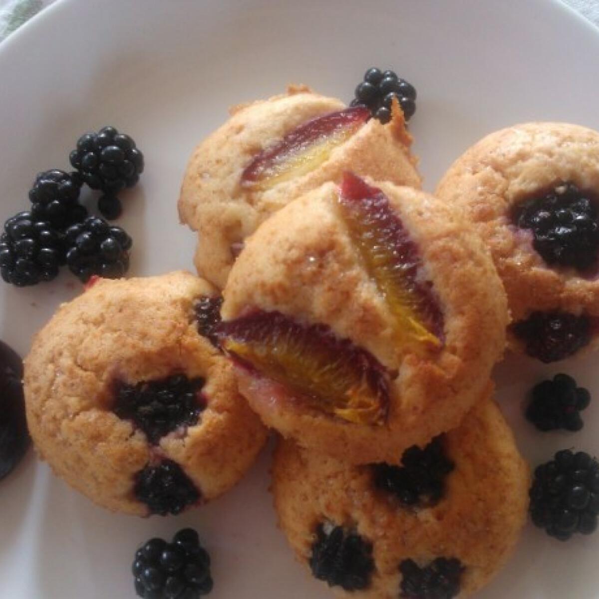 Ezen a képen: Gyümölcsös tortácskák