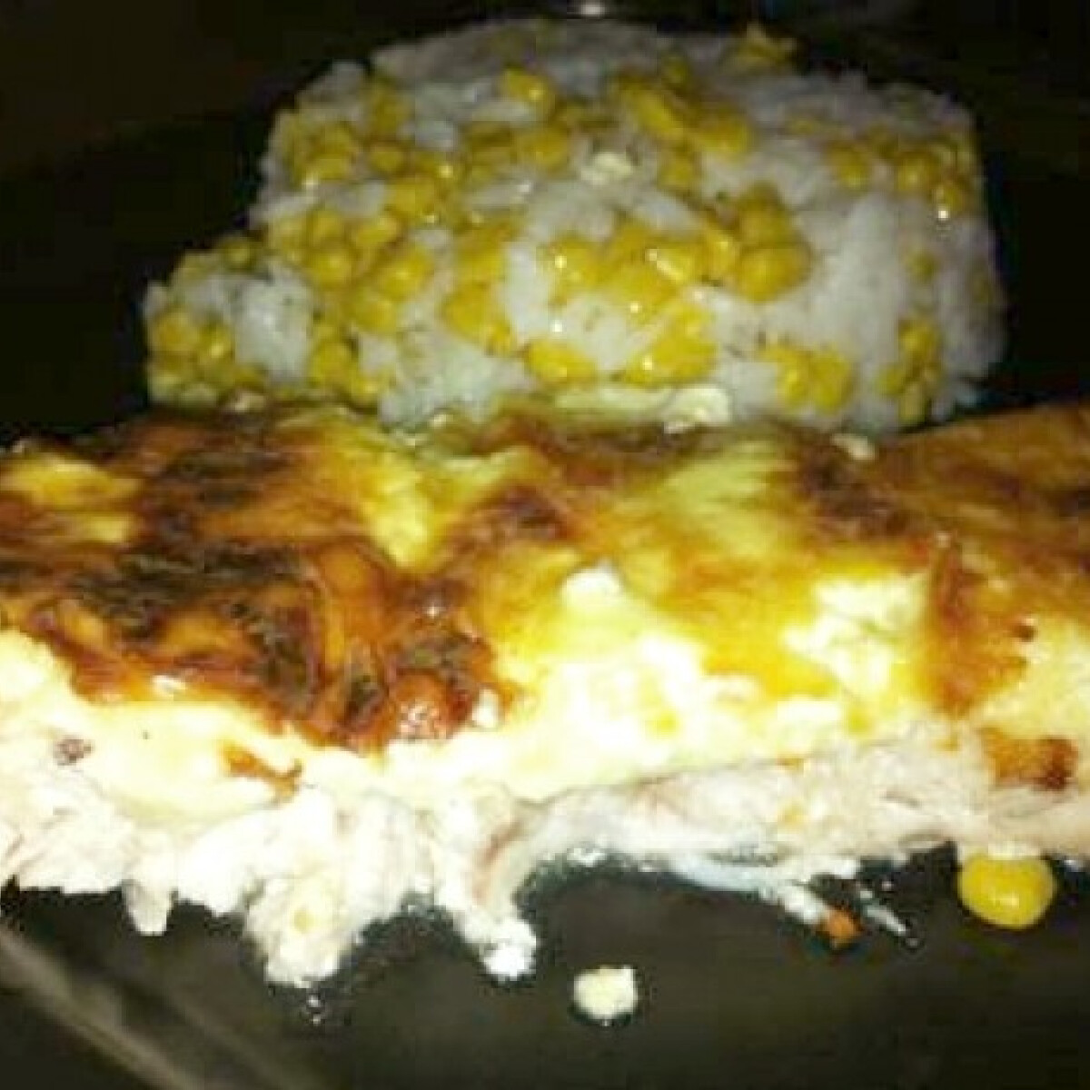 Ezen a képen: Sajtos csirkemell kukoricás rizzsel