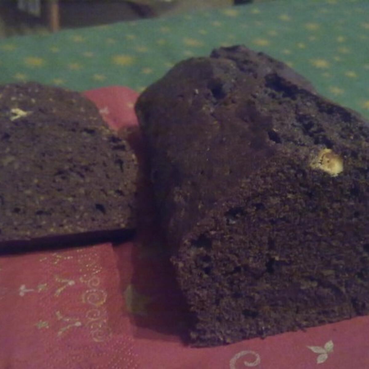 Ezen a képen: Dupla csokis csokikenyér