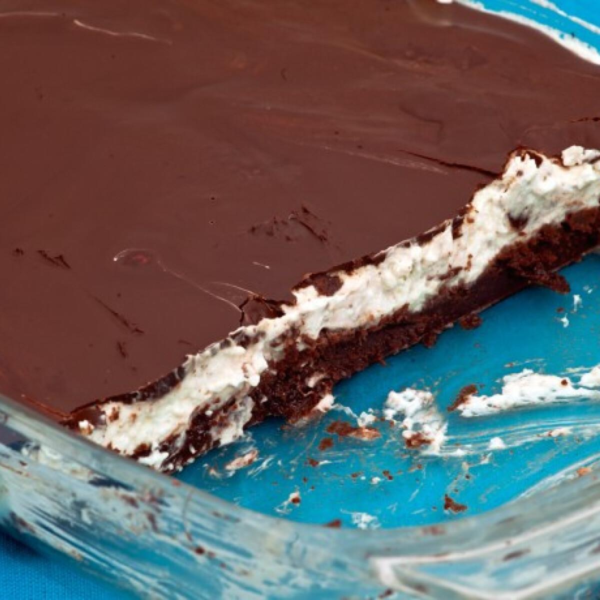 Ezen a képen: Csokis kókuszos Tomatotree konyhájából