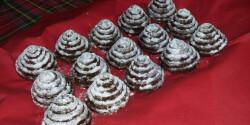 Karácsonyi kókuszos kekszpiramis
