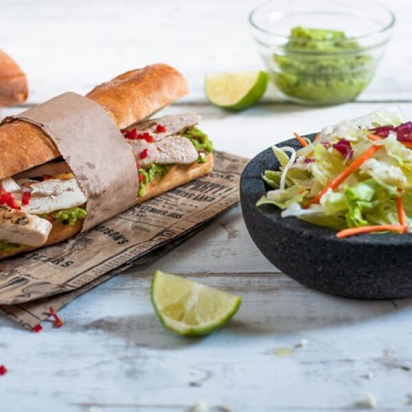 Tex-mex szendvics fetás salátával
