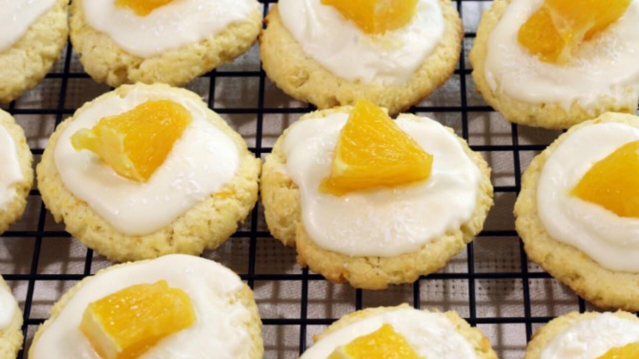 Narancsos-kókuszos fehér csokis cookie