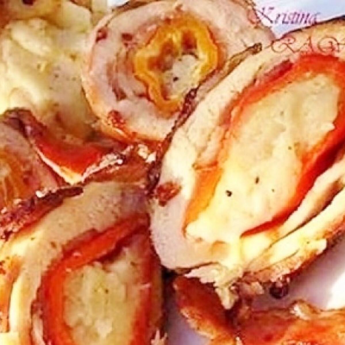 Ezen a képen: Krumpli paprikában húsba tekerve