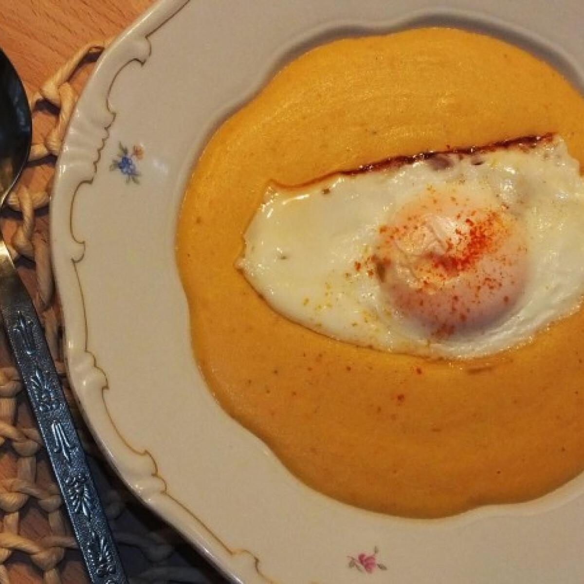 Ezen a képen: Curry-s sárgaborsó-főzelék