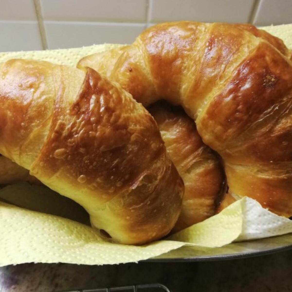 Kovászos croissant
