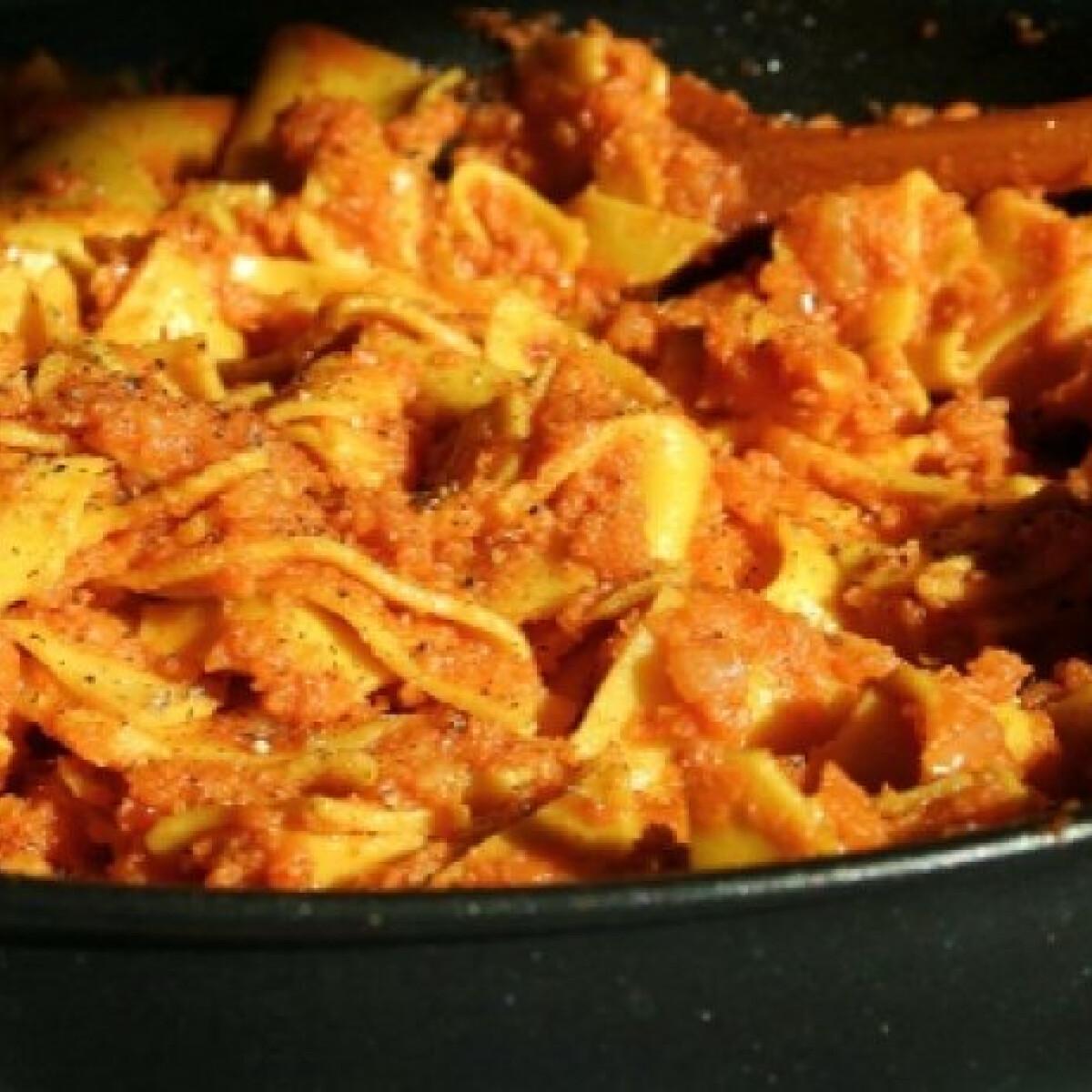 Ezen a képen: Krumplis tészta Vicikó konyhájából