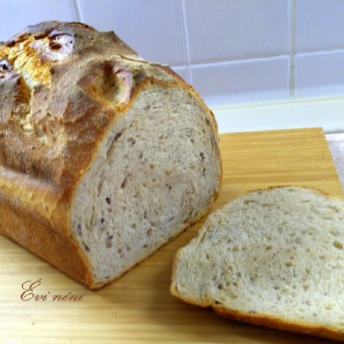 Ezen a képen: Kovászos-öregtésztás kenyér