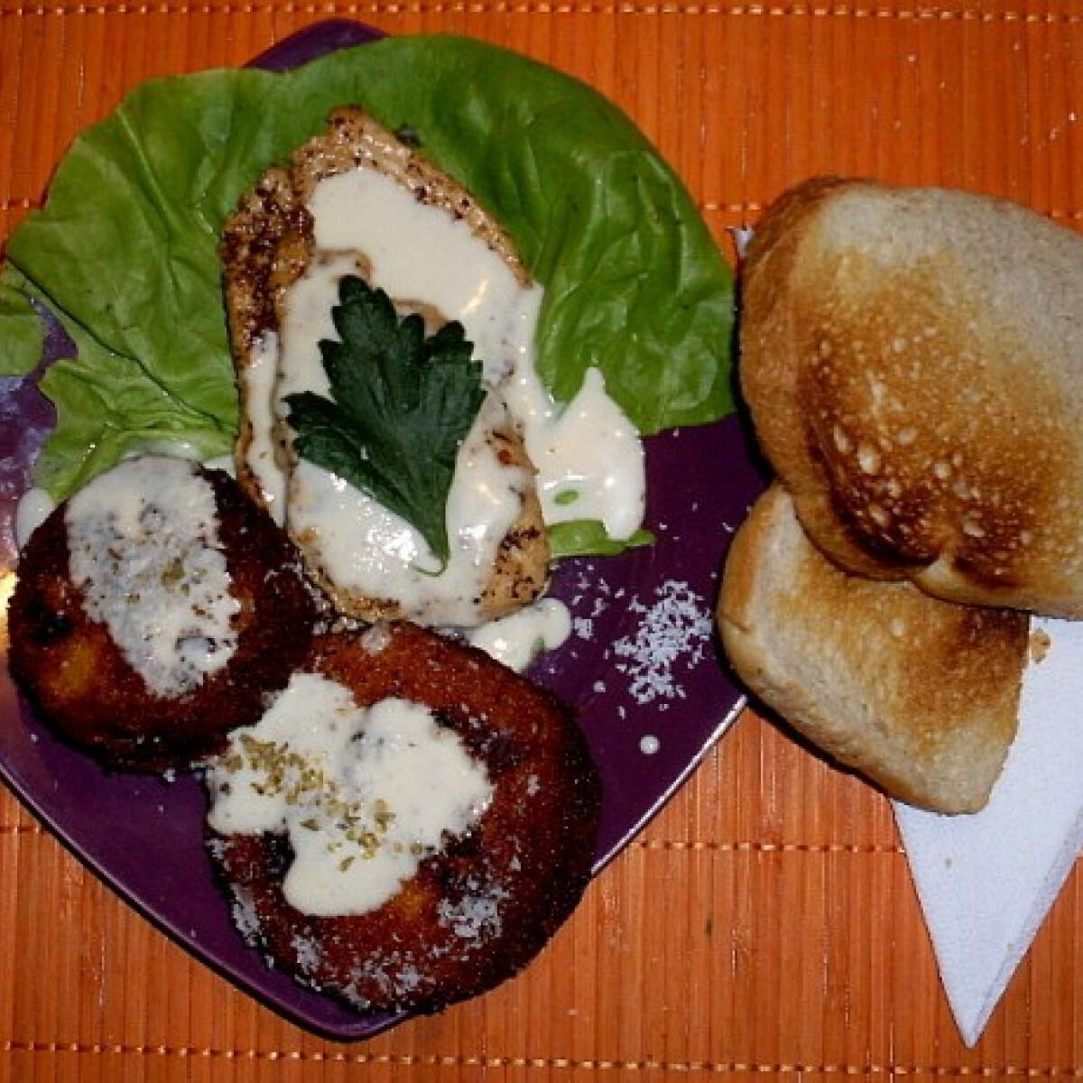 Ezen a képen: Sült csirke kókuszos sütőtökkel