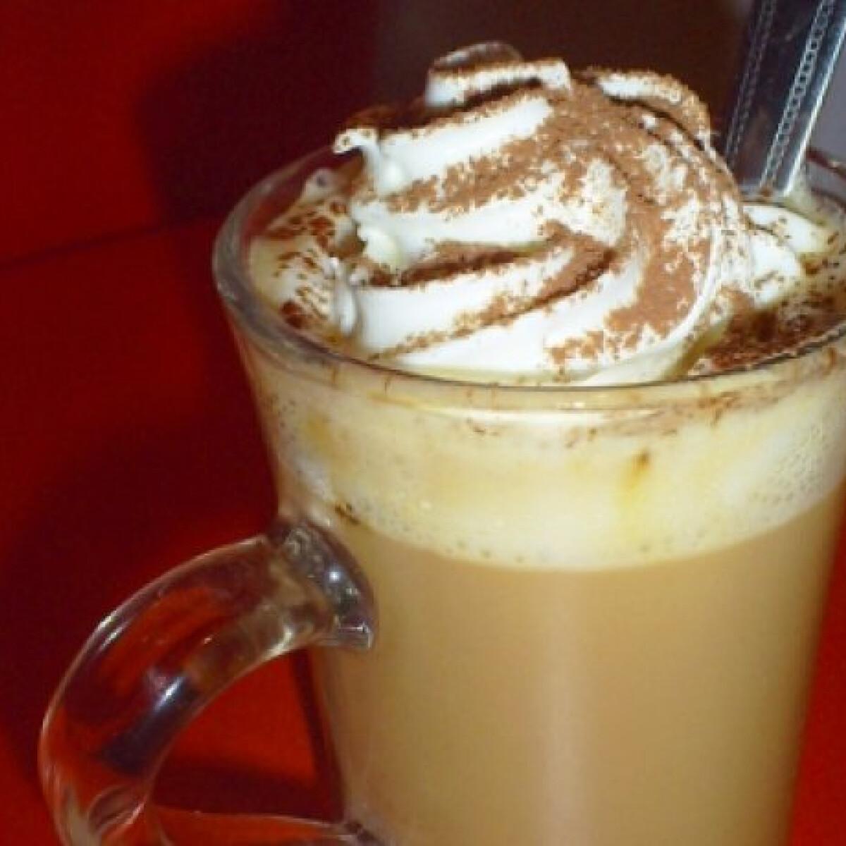 Ezen a képen: Mindent bele forró csoki Horandrától