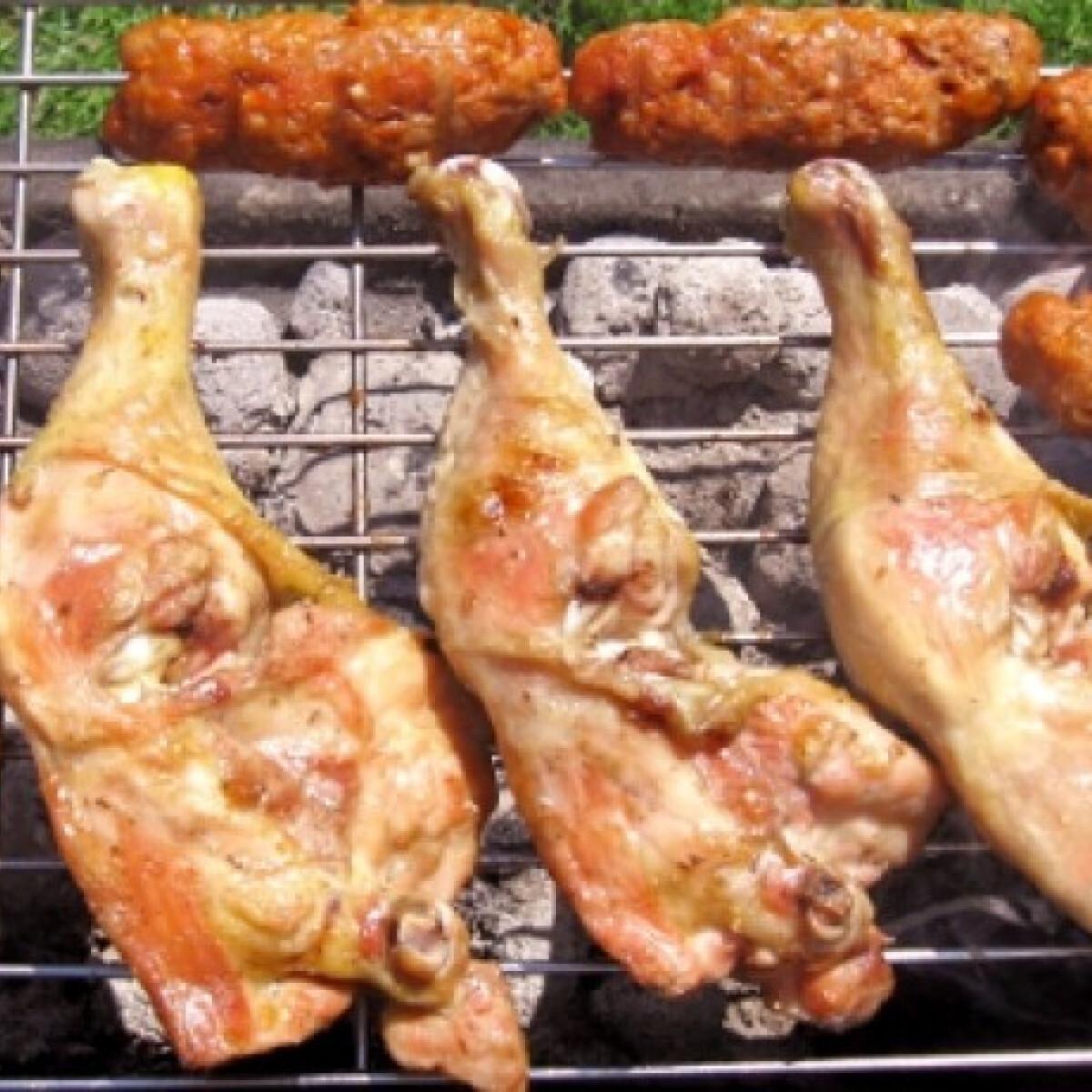 Joghurtban pácolt csirkecomb grillezve