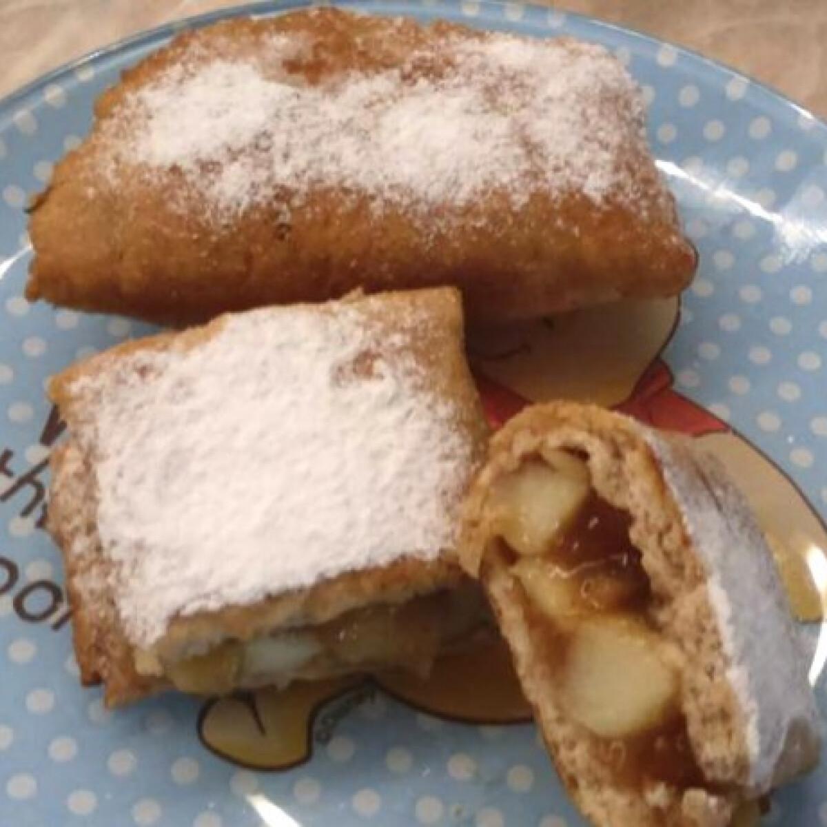 Ezen a képen: Almás táska Barbi konyhájából