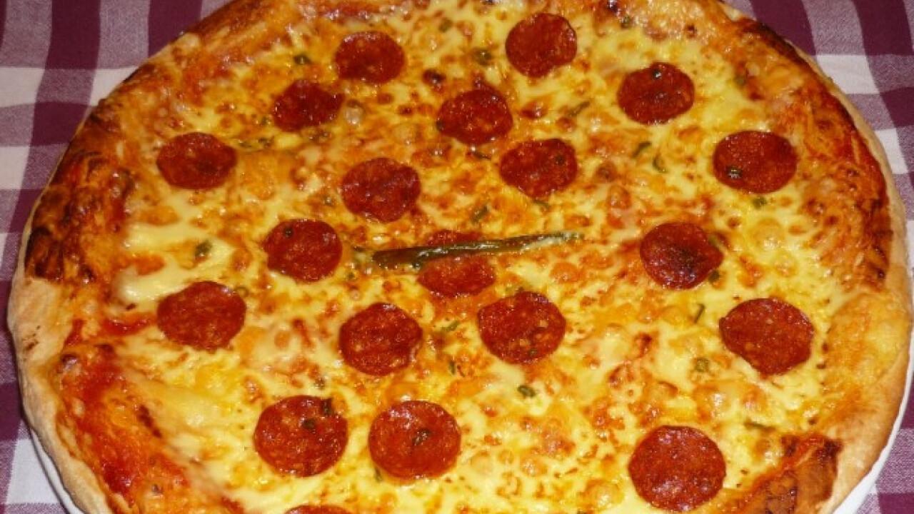 Kétféle lisztből készült pizzatészta