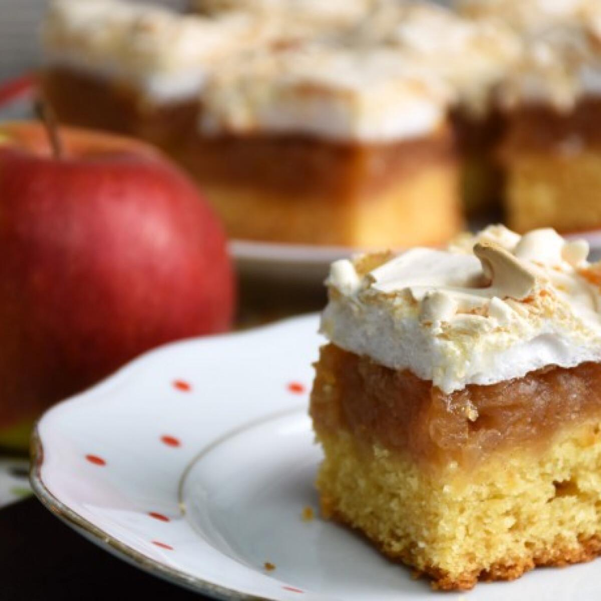 Ezen a képen: Almás habos sütemény