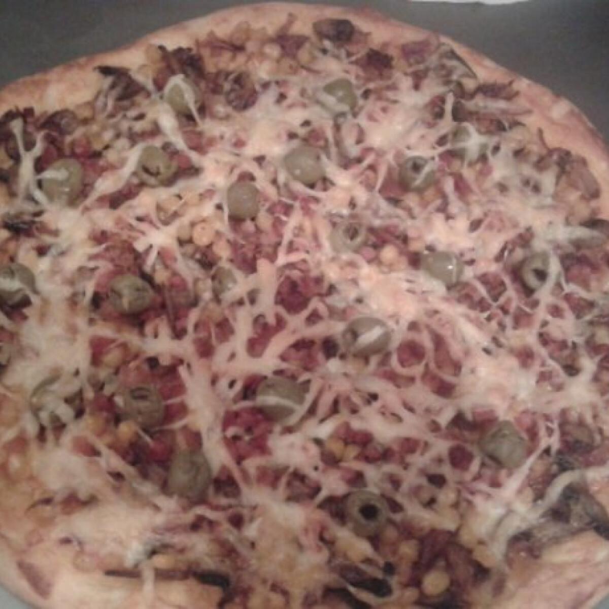 Ezen a képen: Pizza Odzsi módra