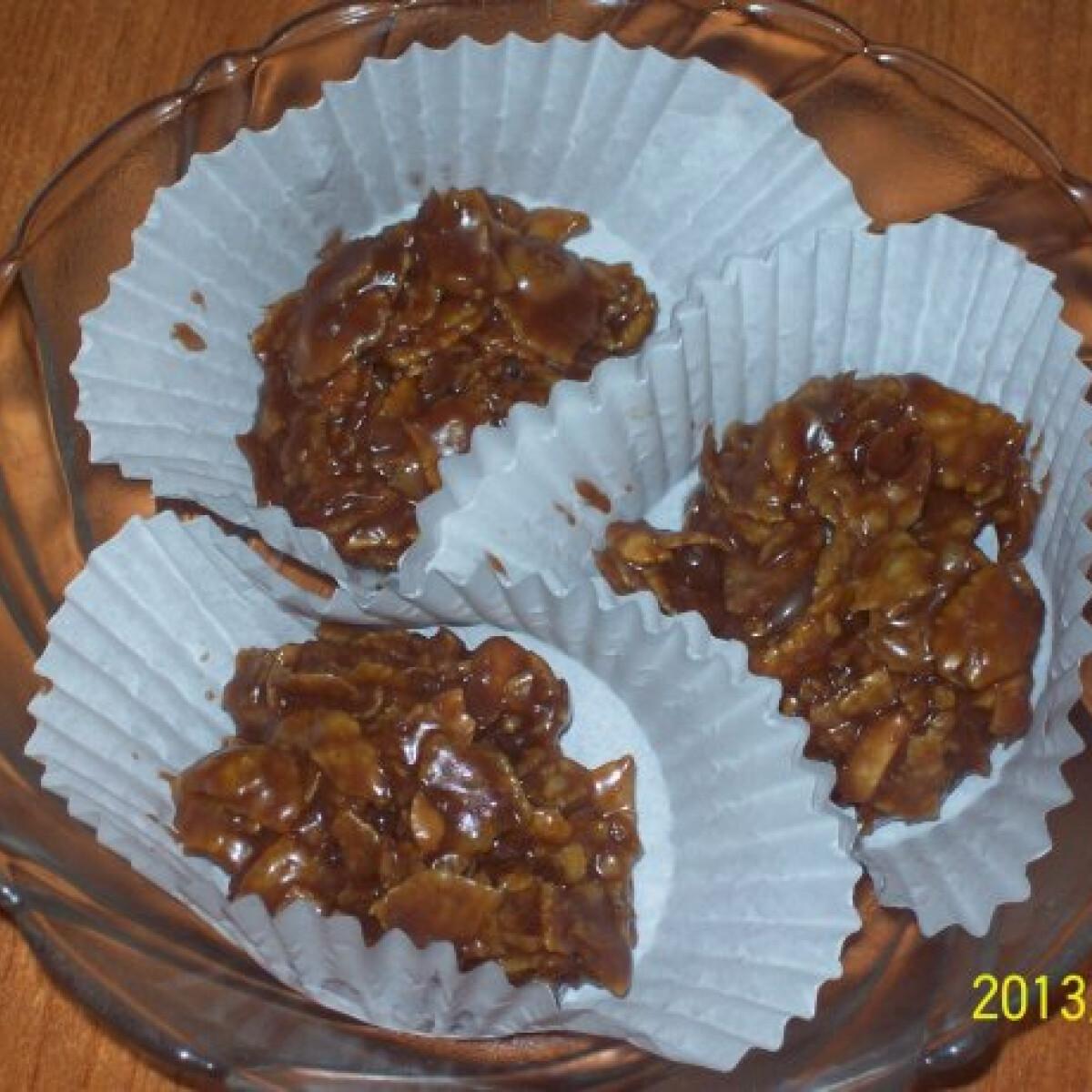 Ezen a képen: Gluténmentes cornflakes konfekt karamellás ropogós