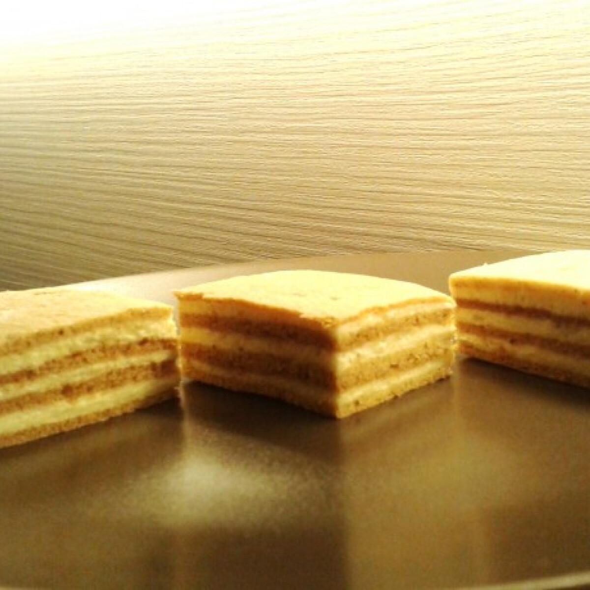 Ezen a képen: Fahéjas mézes krémes