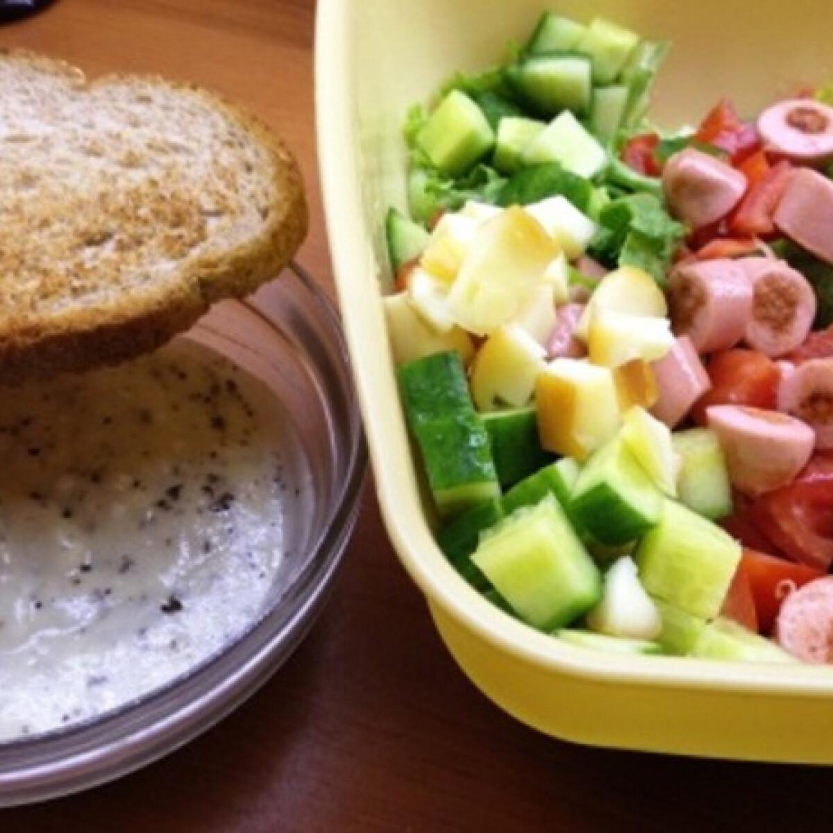 Ezen a képen: Indián szószos saláta
