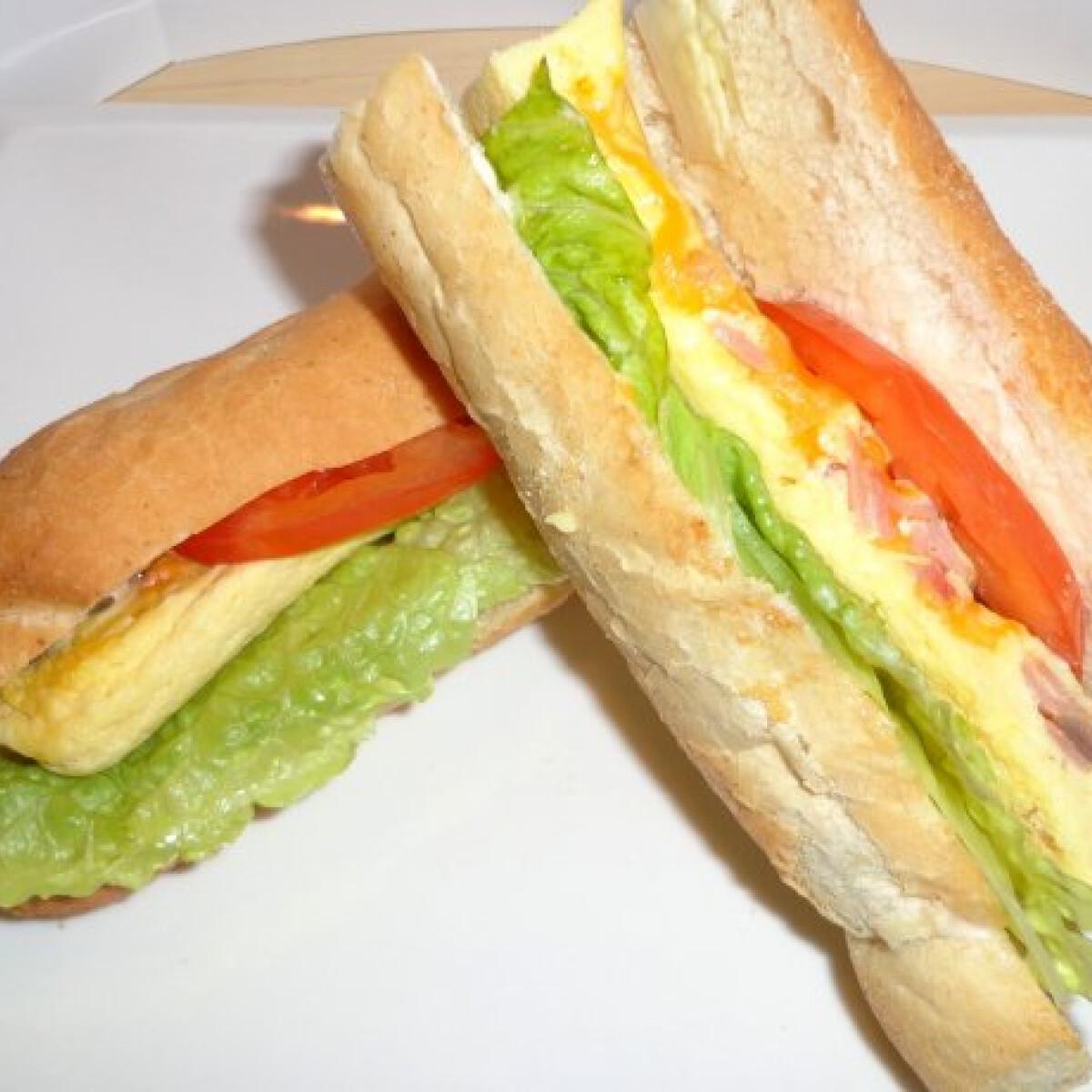 Ezen a képen: 4 perces omlett bagettbe töltve
