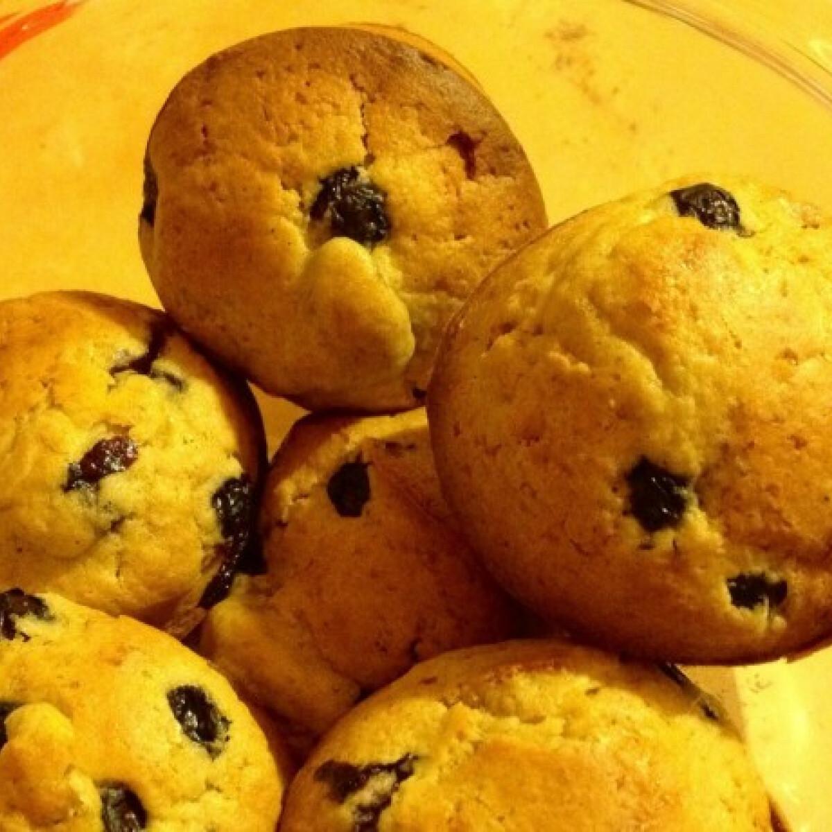 Ezen a képen: Diétás zabpehelylisztes áfonyás muffin