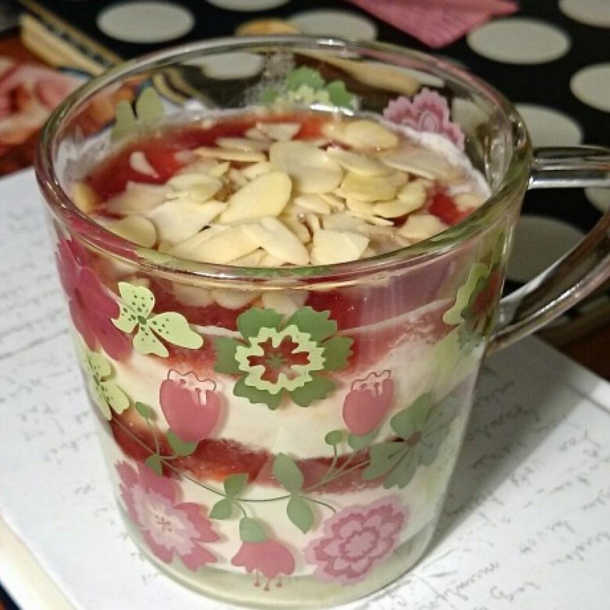 Ezen a képen: Citromos-ricottás pohárkrém