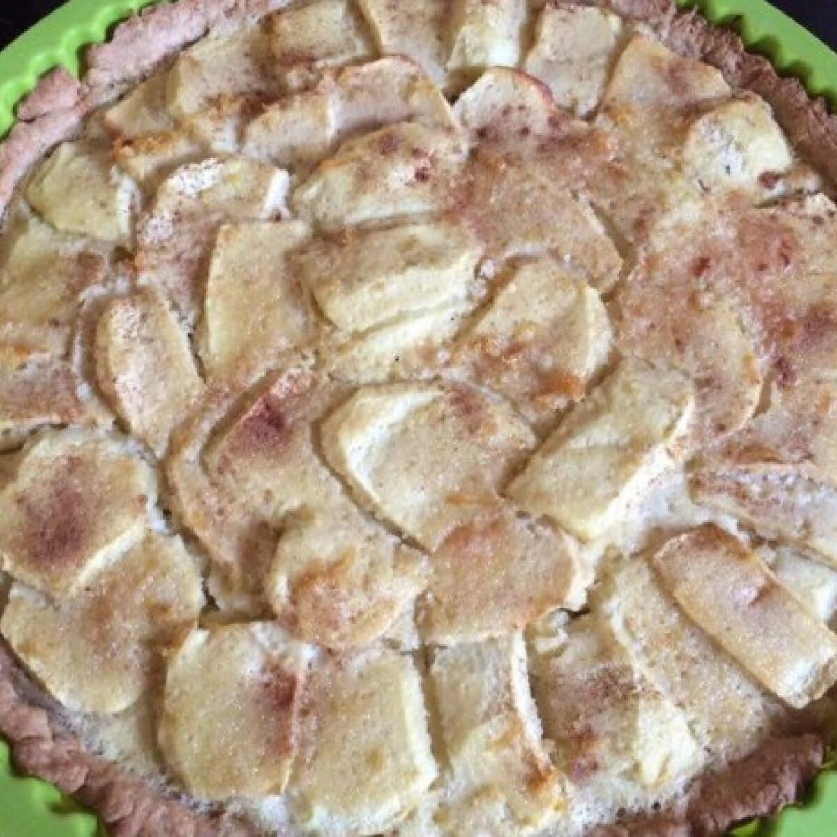 Ezen a képen: Almás pite tönkölybúzalisztből