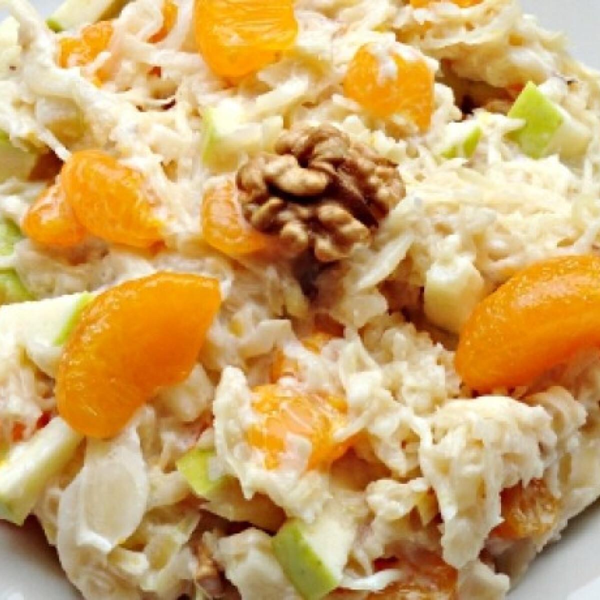 Ezen a képen: Mandarinos savanyú káposzta-saláta