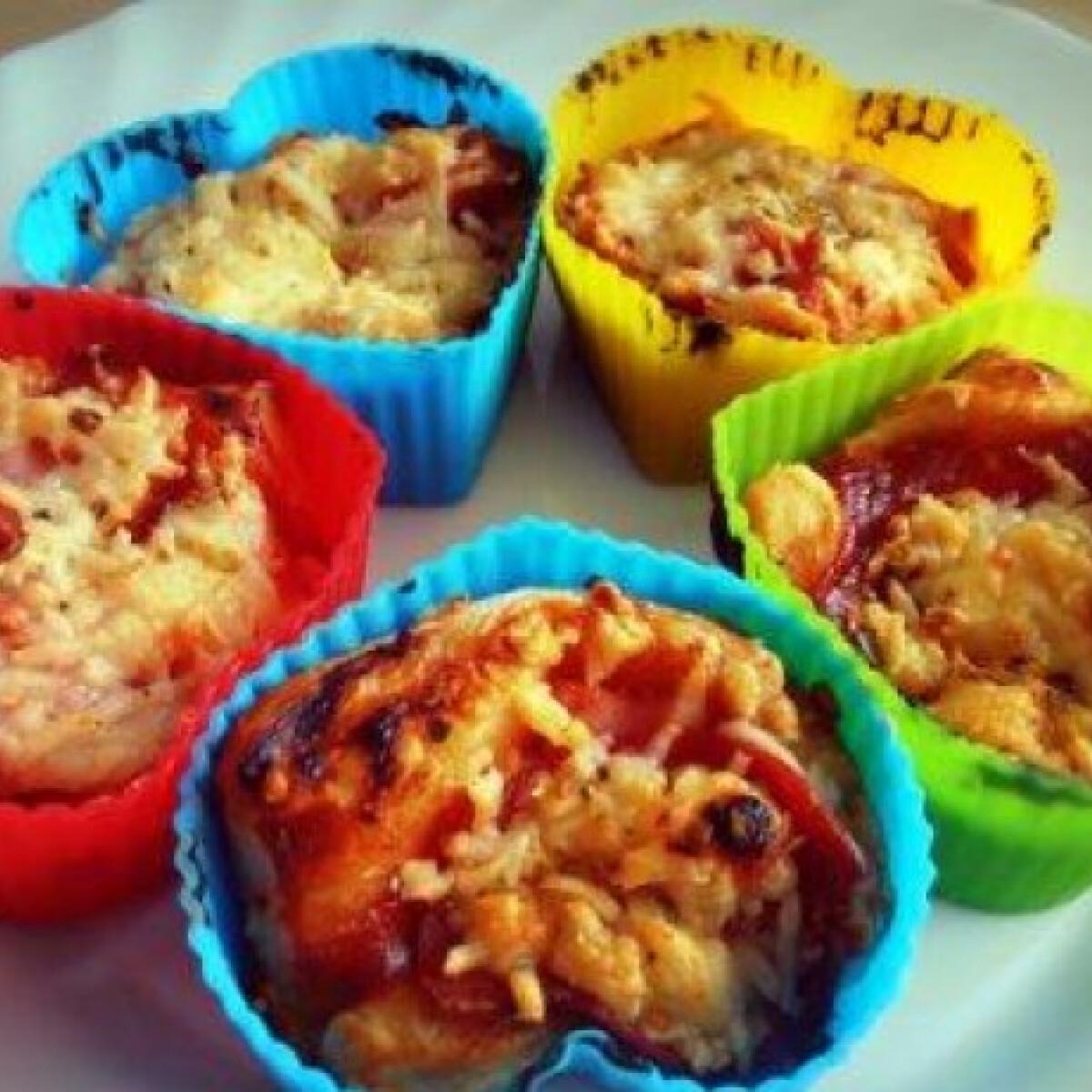 Ezen a képen: Pizza muffin leveles tésztából
