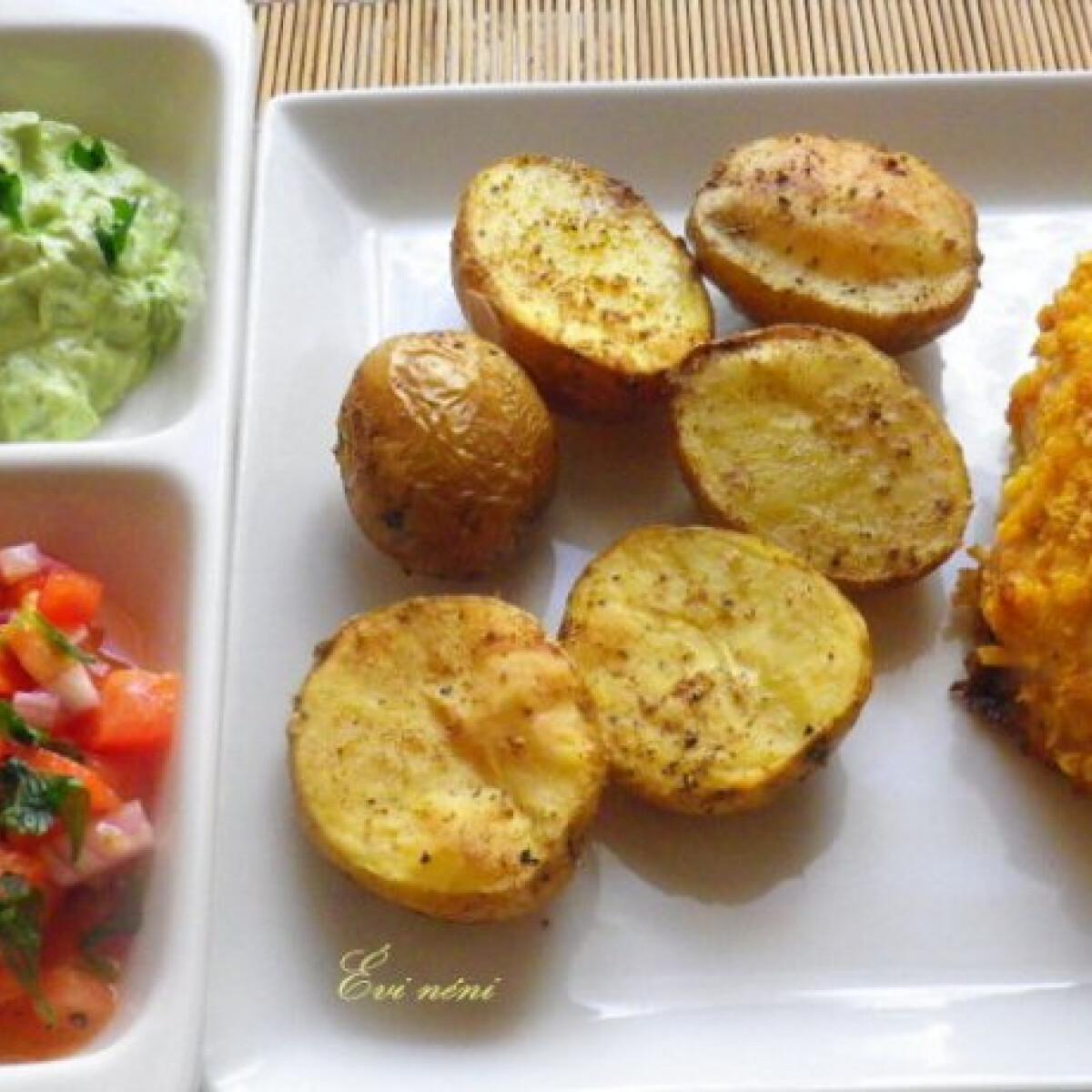 Ezen a képen: Csirkemell kukoricabundában salsával