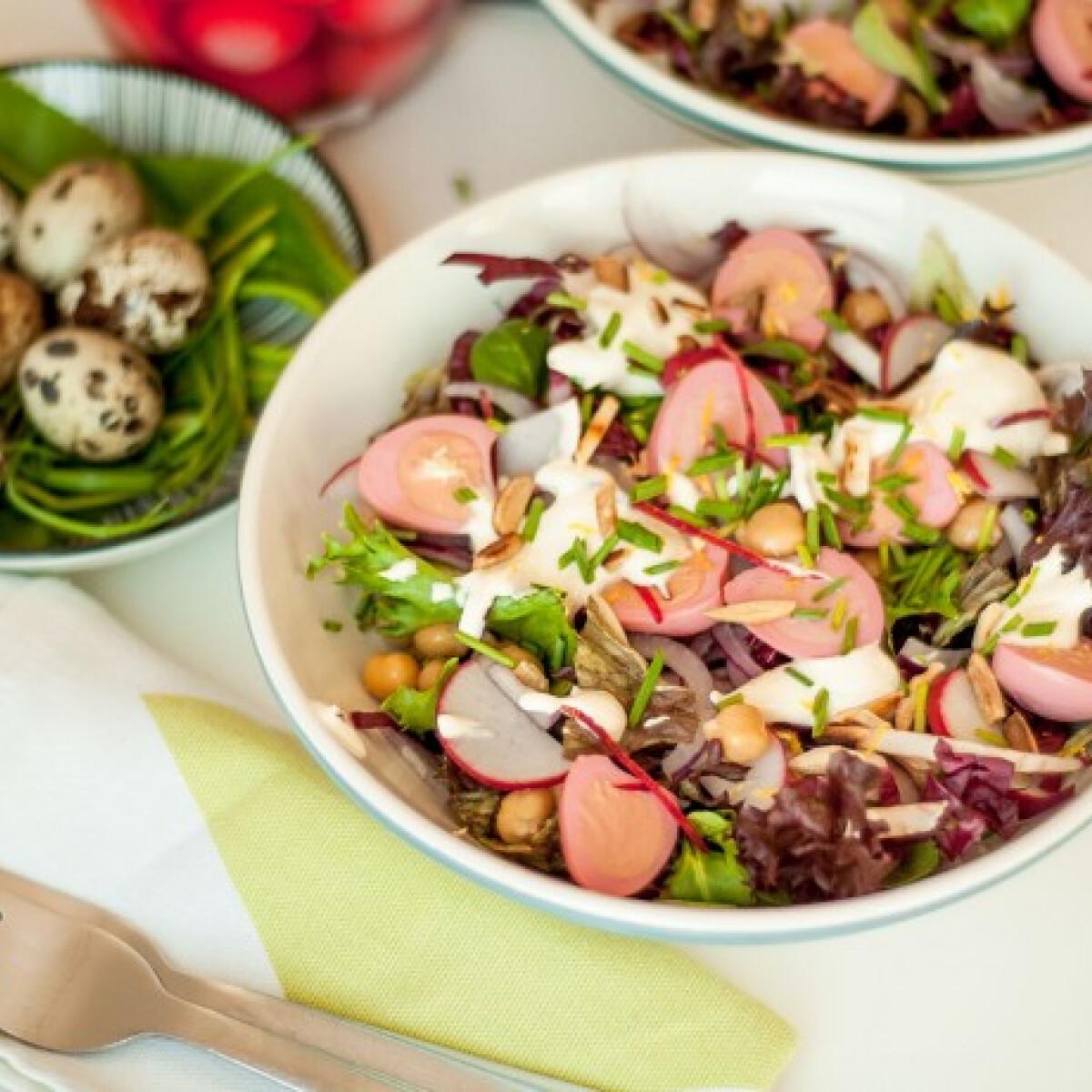Ezen a képen: Színes húsvéti saláta
