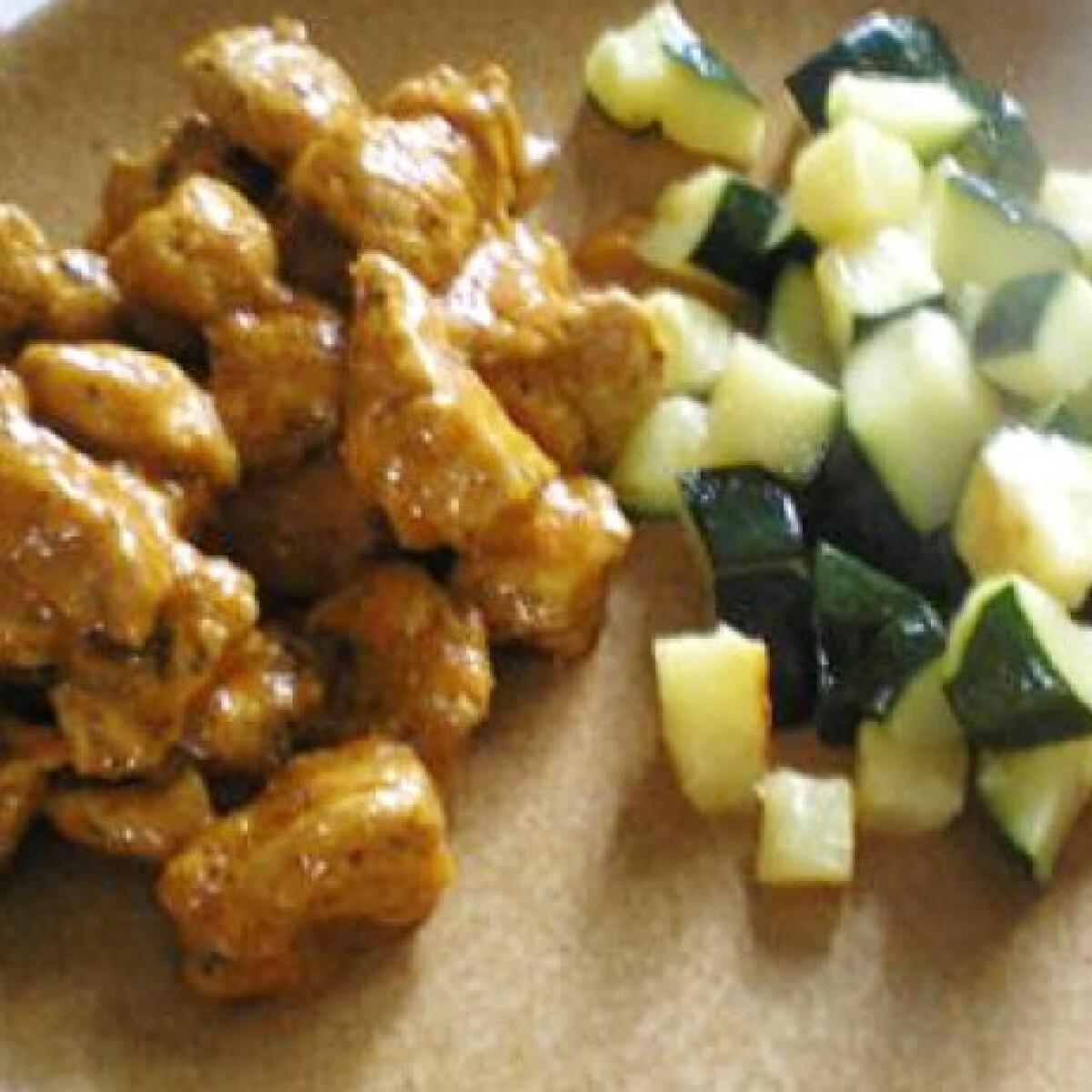 Ezen a képen: Ízletes zöldséges pulykaragu