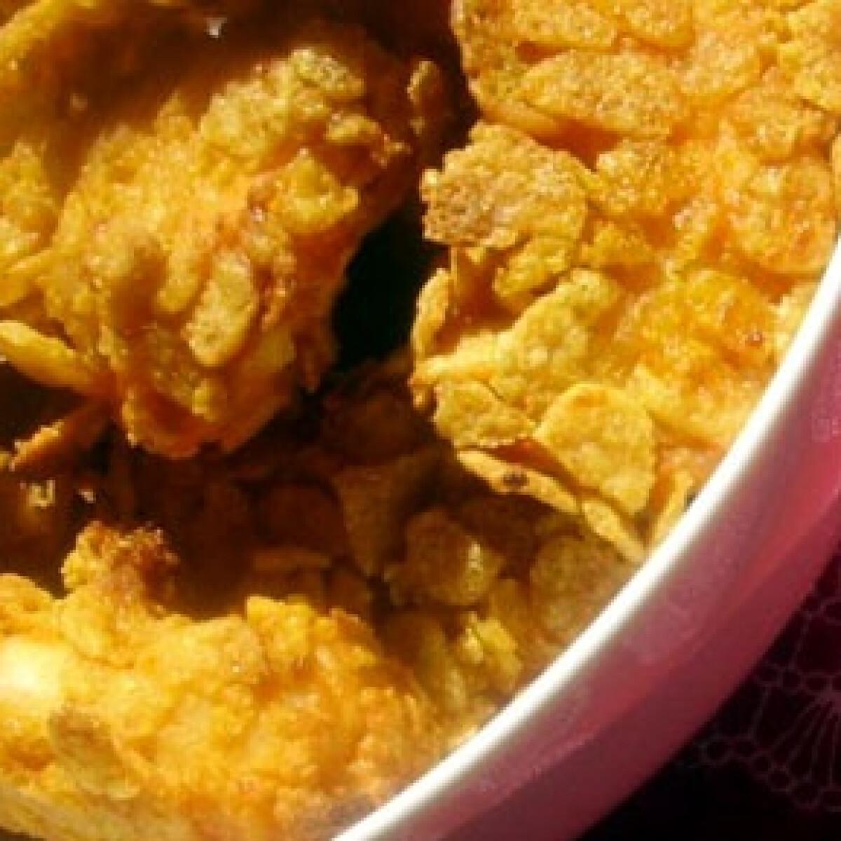 Ezen a képen: Kukoricapelyhes ropogós csirkemellfalatok