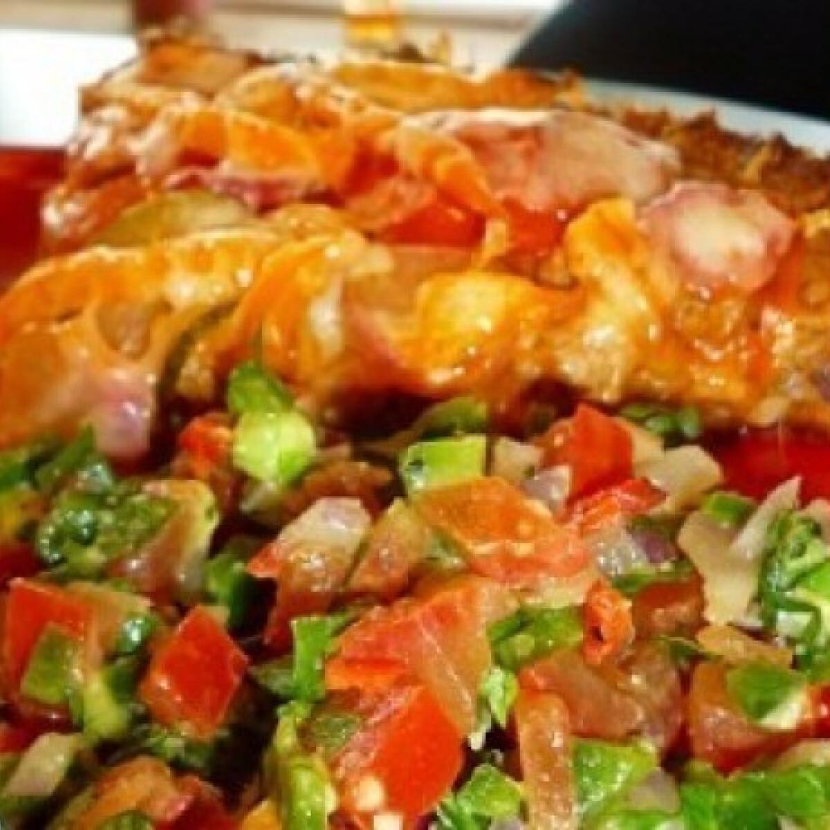 Ezen a képen: Húsos-zöldséges pite