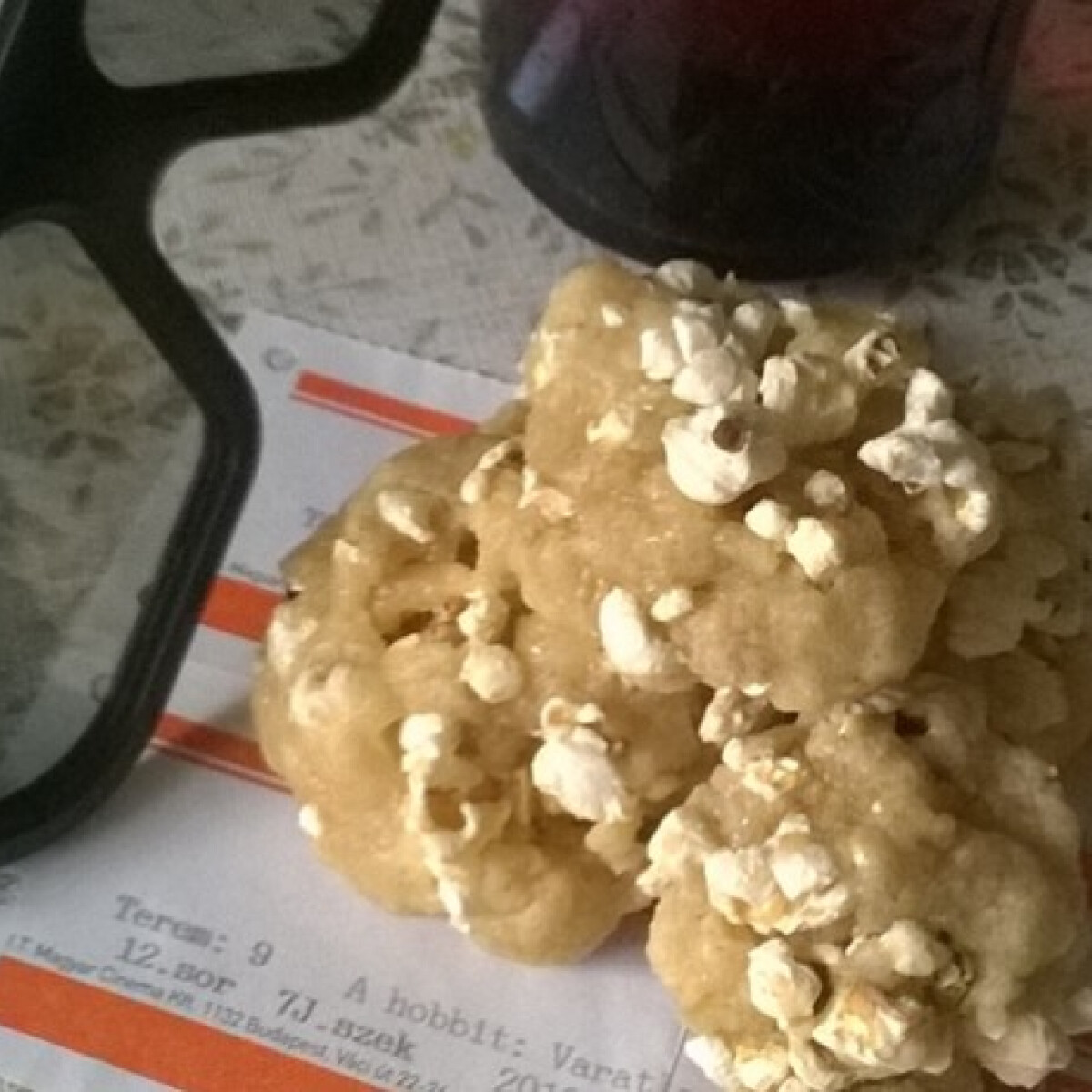 Popcornos süti