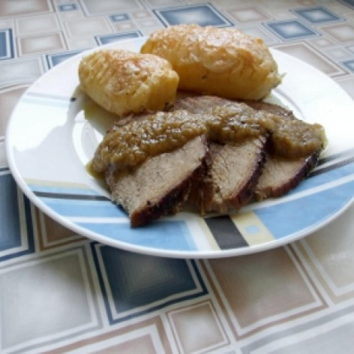 Ezen a képen: Roast beef sajtos burgonyával