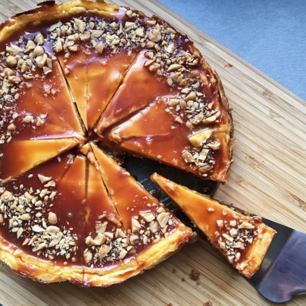 Ezen a képen: Karamellás sajttorta aureliavadaszan konyhájából