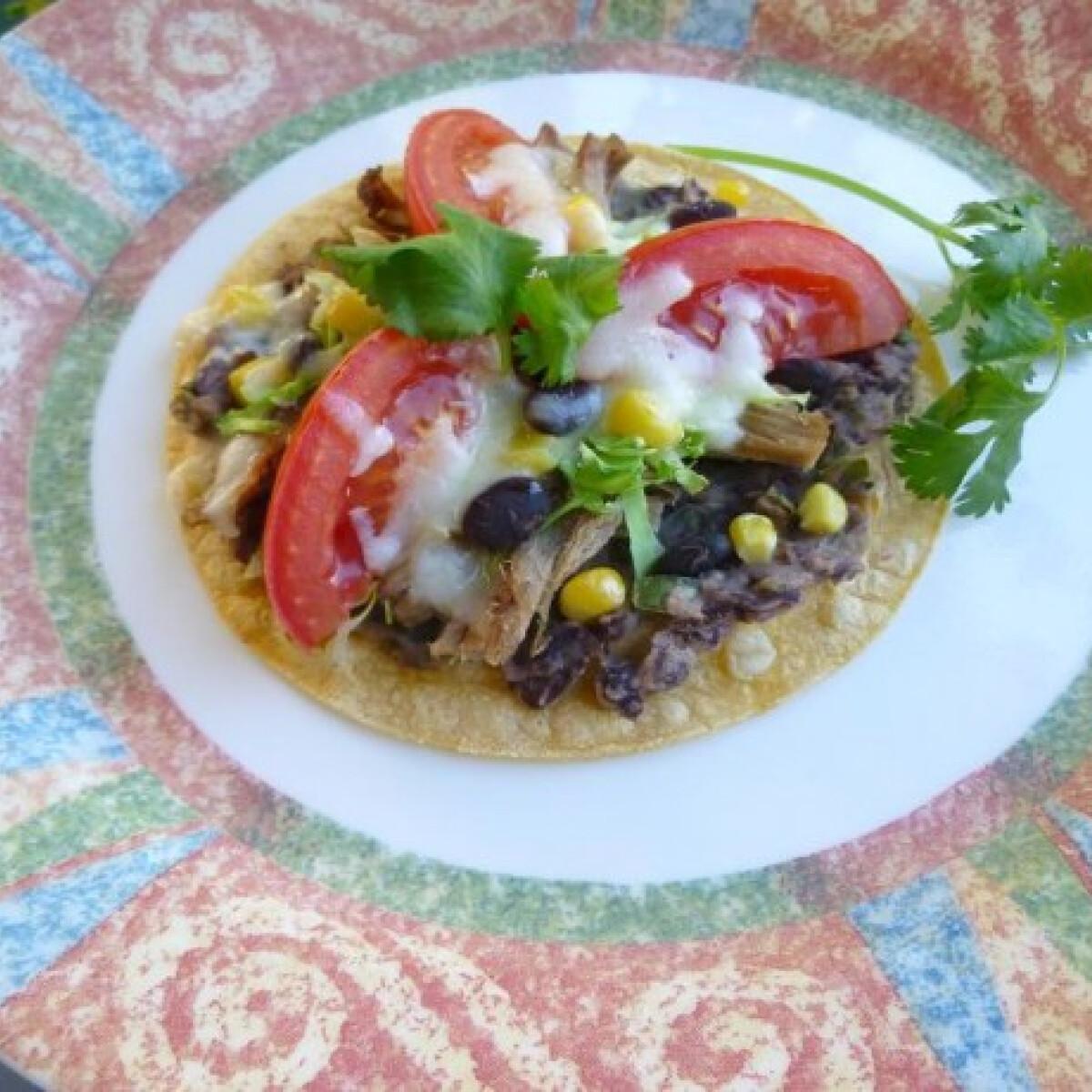 Ezen a képen: Babos-húsos tortilla