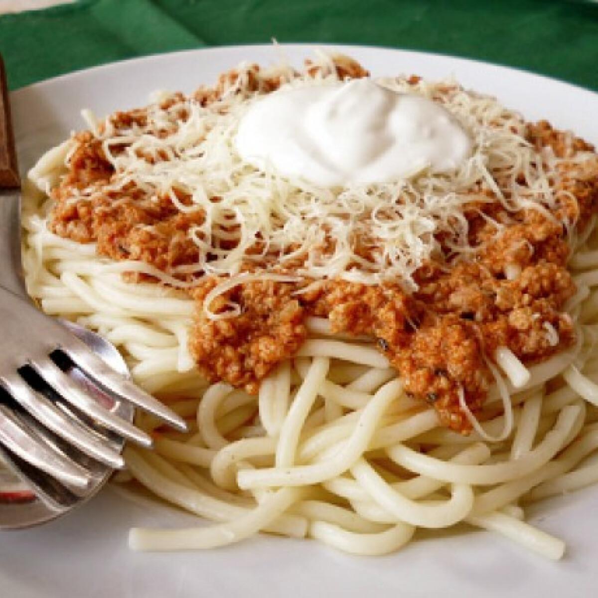 Ezen a képen: Bolognai spagetti pulykahúsból