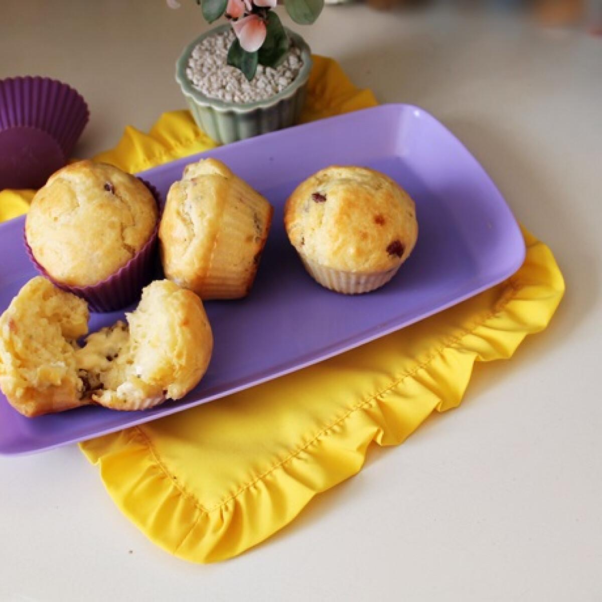 Krémsajtos-füstölthúsos muffin Iluskától